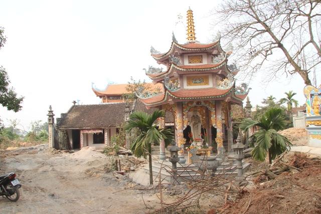 """Ngôi chùa bề thế được xây dựng từ tiền bán... nhánh """"cây sưa trăm tỷ"""" - 10"""