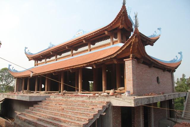 """Ngôi chùa bề thế được xây dựng từ tiền bán... nhánh """"cây sưa trăm tỷ"""" - 3"""