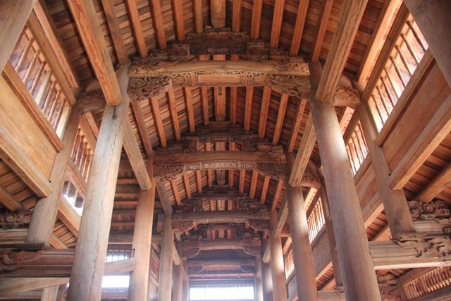 """Ngôi chùa bề thế được xây dựng từ tiền bán... nhánh """"cây sưa trăm tỷ"""" - 6"""