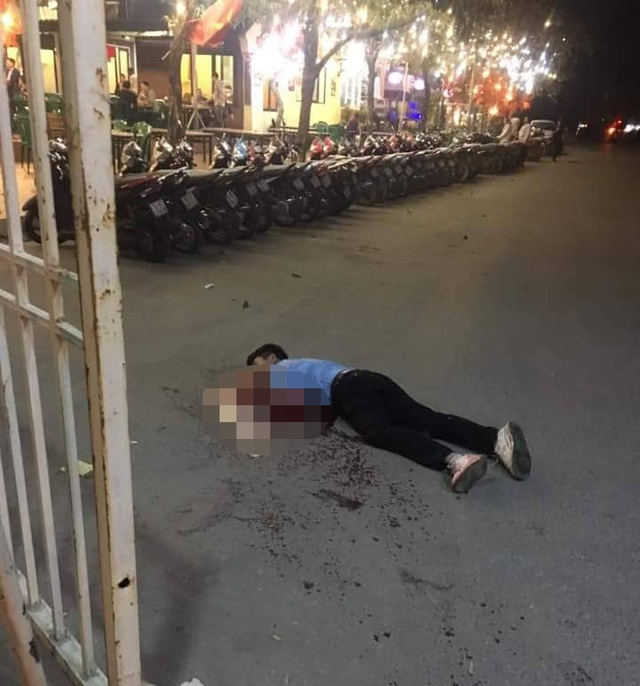 Hanoi: Taxi driver was suspected to be dragged at My Dinh yard door - 1