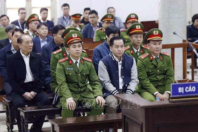 Hai cựu Thứ trưởng Bộ Công an bị đề nghị 36 - 42 tháng tù - 1