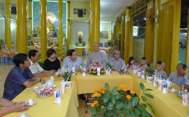 Chủ tịch MTTQ Việt Nam Trần Thanh Mẫn đến thăm các bé họ Nhân ở Cần Thơ - 7
