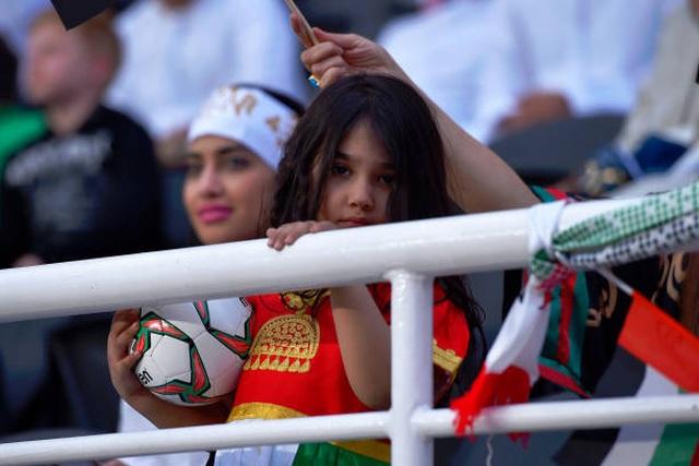 Đại thắng 4-0 trước chủ nhà UAE, Qatar lọt vào chung kết gặp Nhật Bản - 12
