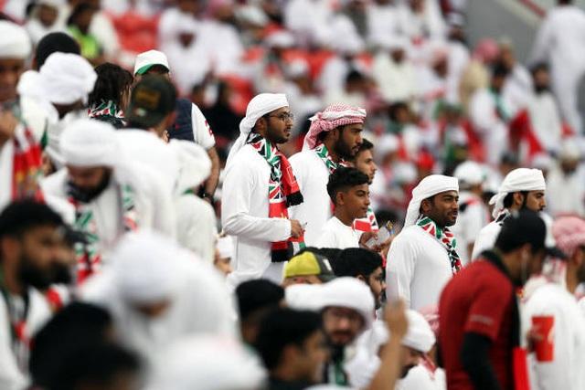 Đại thắng 4-0 trước chủ nhà UAE, Qatar lọt vào chung kết gặp Nhật Bản - 14