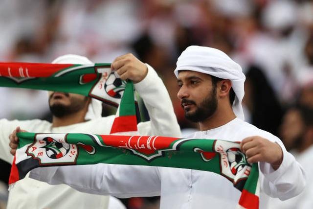 Đại thắng 4-0 trước chủ nhà UAE, Qatar lọt vào chung kết gặp Nhật Bản - 15