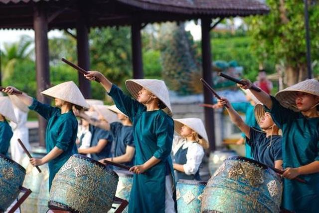 Trẩy hội năm châu: Chơi xuân rước lộc tại xứ sở kỳ diệu Vinpearl land - 16