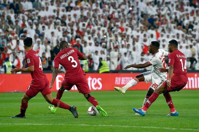 Đại thắng 4-0 trước chủ nhà UAE, Qatar lọt vào chung kết gặp Nhật Bản - 5