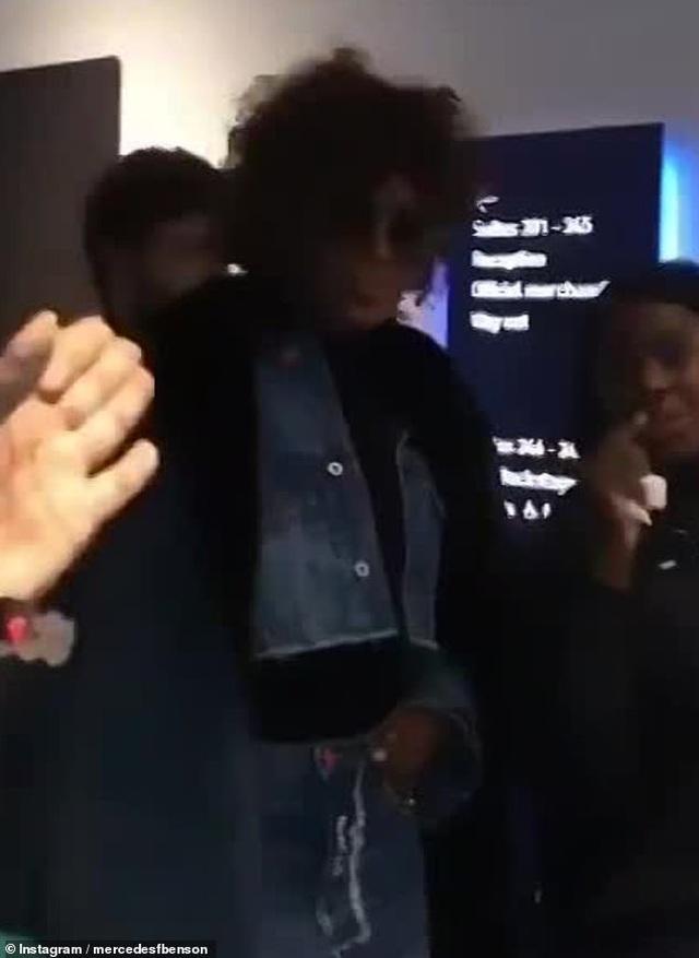 Naomi Campbell bị bắt gặp đi chơi cùng ca sỹ kém 23 tuổi - 2