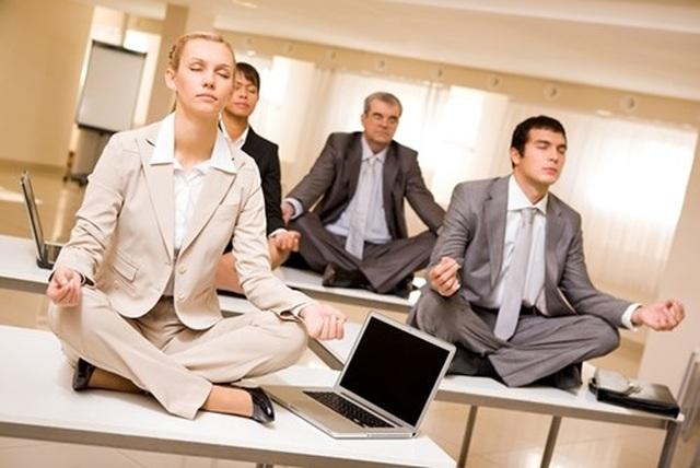 3 cách đối phó với căng thẳng nơi công sở - 2