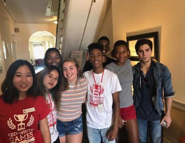 Ba bạn trẻ Việt giành học bổng nghệ thuật hiếm và danh tiếng thế giới năm 2018 - 2