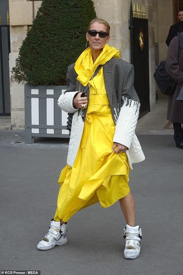 Celine Dion liên tục gây ấn tượng với thời trang khác lạ - 1