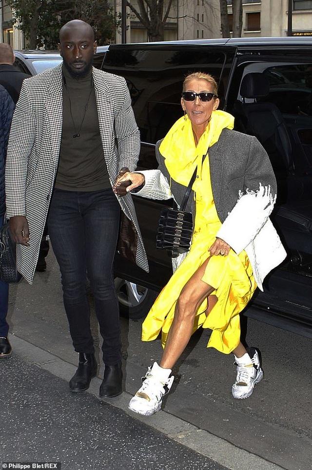 Celine Dion liên tục gây ấn tượng với thời trang khác lạ - 3
