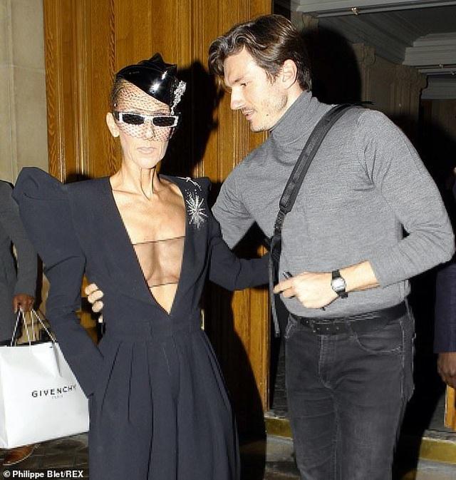 Celine Dion liên tục gây ấn tượng với thời trang khác lạ - 6