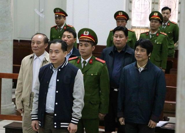 Hai cựu Thứ trưởng Bộ Công an lần lượt lĩnh 36 và 30 tháng tù - 1