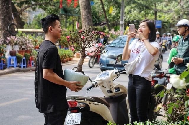 Ngàn hoa khoe sắc đón Xuân tại con đường hoa lớn nhất Hà Nội - 10