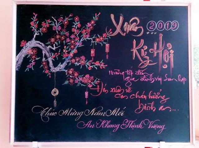 Thầy giáo trường làng thổi hồn Tết vào những tấm bảng - 4