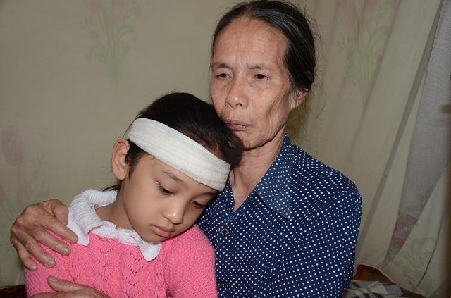 Bố, mẹ lần lượt qua đời, 3 đứa trẻ sống trong đói khát cùng ông bà nội già yếu - 7