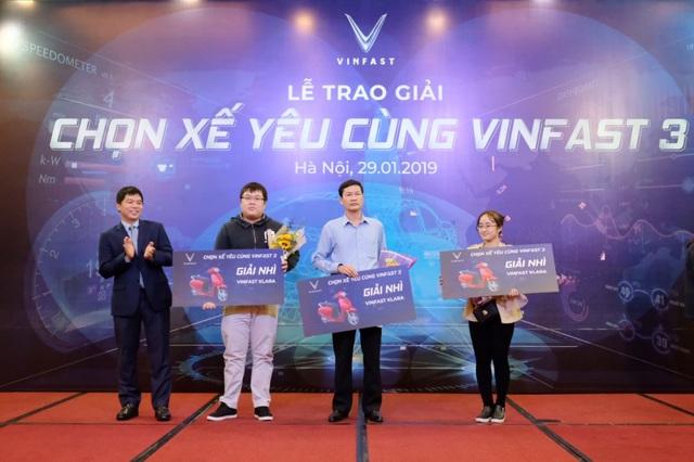 VinFast tổ chức trao tặng xe cho người thắng cuộc Chọn xế yêu cùng VinFast - 3 - 2