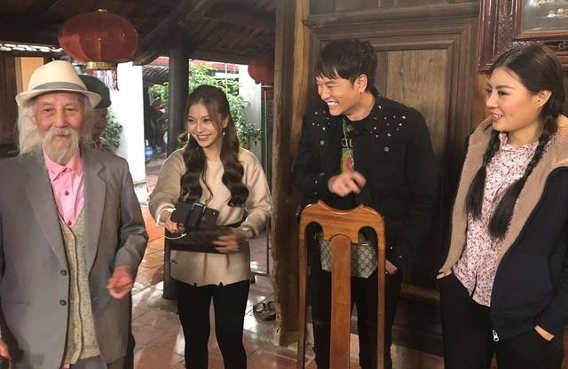 """Bạn gái cầu thủ Quang Hải đóng hài tết cùng dàn diễn viên """"Quỳnh búp bê"""" - 3"""