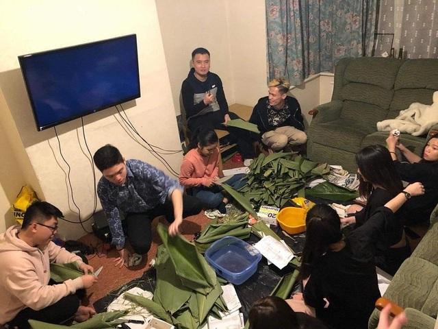 Du học sinh Việt tại Anh quây quần gói bánh chưng, đón Tết nguyên đán - 5