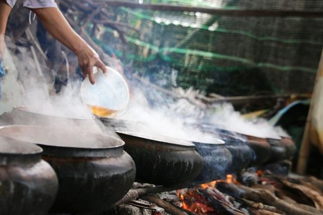 Hà Nam: Cận Tết, người kho cá thuê Đại Hoàng kiếm tiền triệu/ngày  - 1