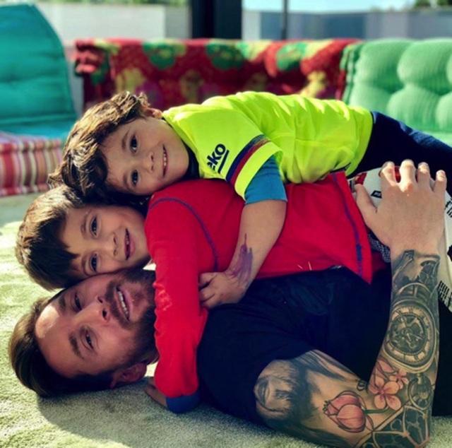 """Messi hài hước kể chuyện bị con trai lên mặt """"dạy dỗ"""" khi thua trận - 1"""