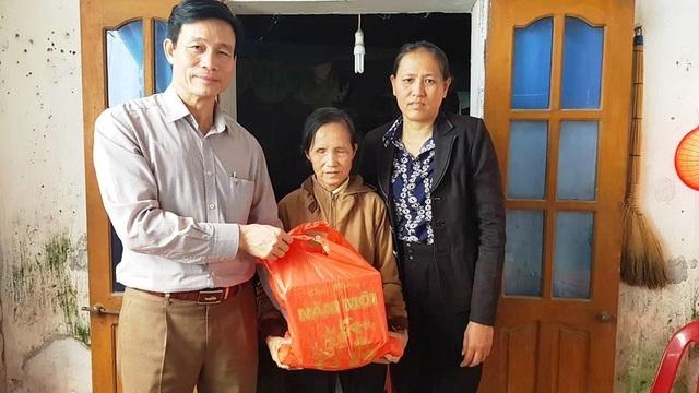 Hơn 38 triệu đồng đến với cụ bà Phạm Thị Ốc - 2