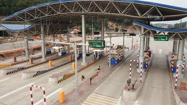 Hôm nay chính thức khai thác cao tốc 12.000 tỷ Hạ Long - Vân Đồn - 2