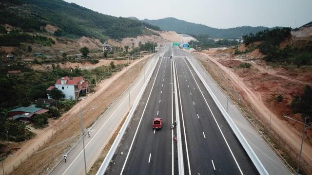 Hôm nay chính thức khai thác cao tốc 12.000 tỷ Hạ Long - Vân Đồn - 3
