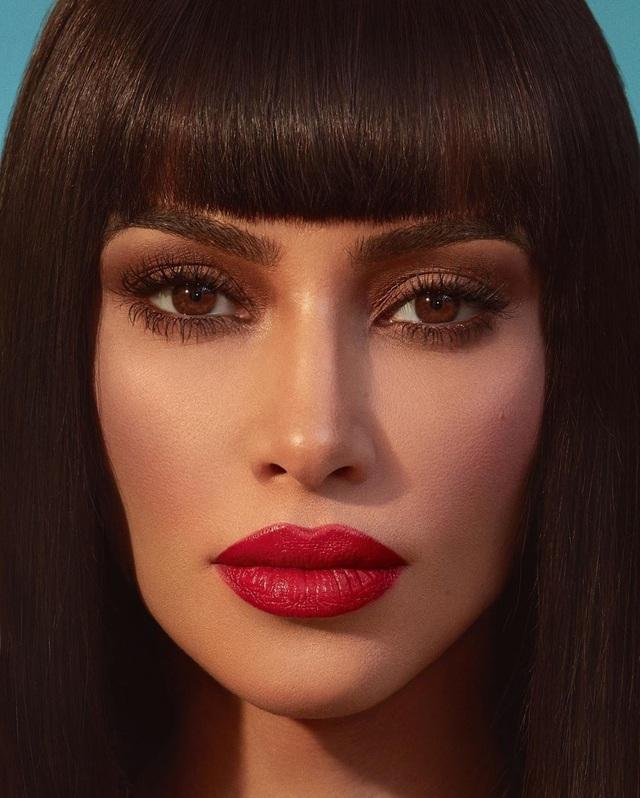 Kim Kardashian gợi cảm với son đỏ - 6
