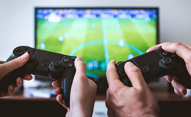 device-game-controller-play-multiplayer-playstation-ps4.jpg