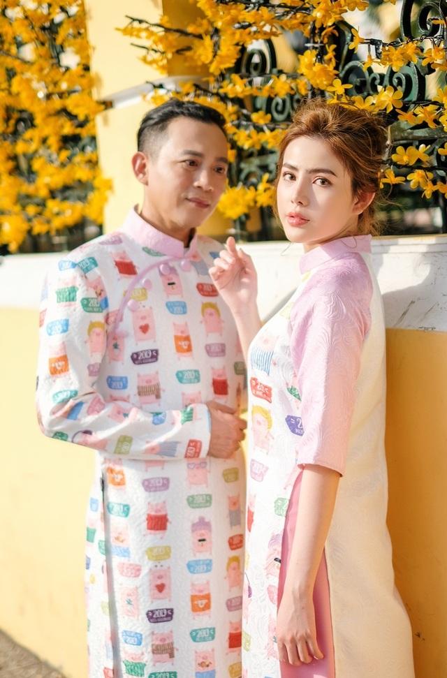 Huu Tien va con gai1.JPG