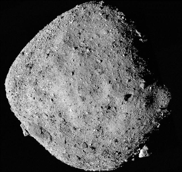 Những hình ảnh mới nhất về tiểu hành tinh có thể tấn công Trái Đất - 2