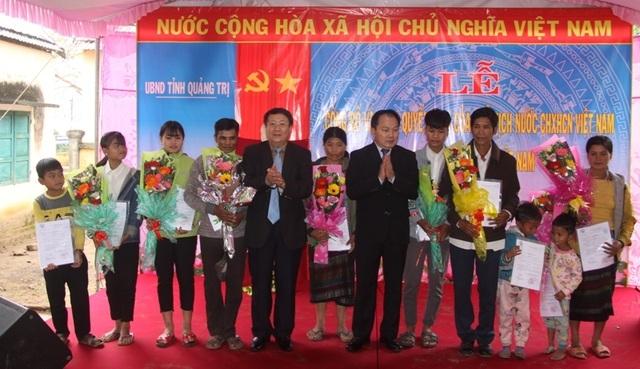 Xuân hạnh phúc của những người vô danh vừa được nhập quốc tịch Việt - 1