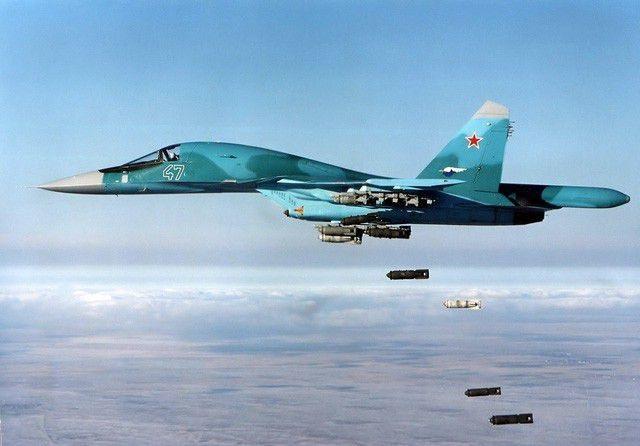 """Su-34 Nga nã """"sát thủ diệt hạm"""" chôn vùi mục tiêu trên mặt đất tại Syria - 1"""