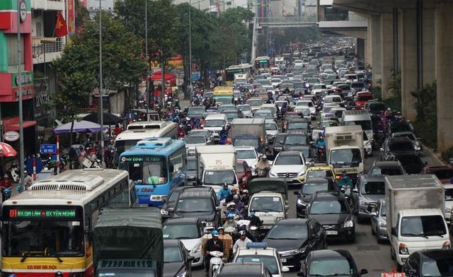 Đường phố Hà Nội ùn tắc kinh hoàng trong ngày 27 Tết - 2