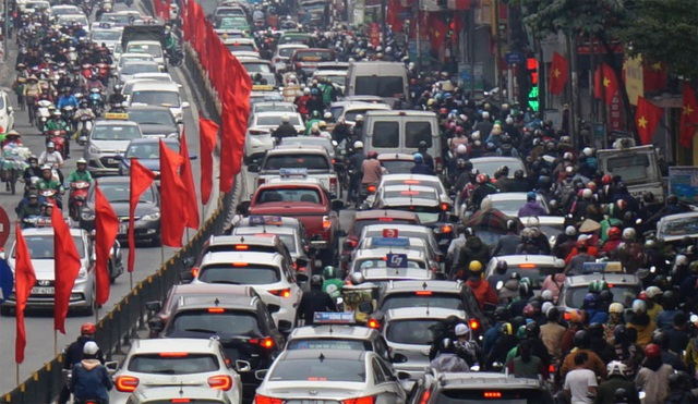 Đường phố Hà Nội ùn tắc kinh hoàng trong ngày 27 Tết - 10