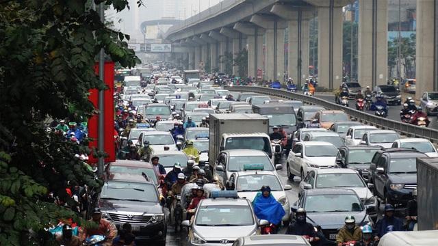 Đường phố Hà Nội ùn tắc kinh hoàng trong ngày 27 Tết - 5