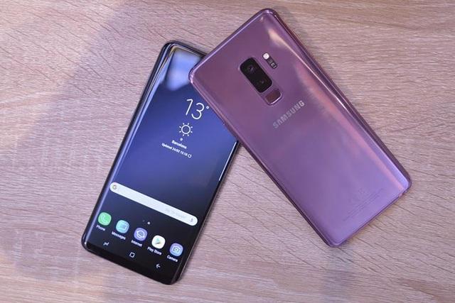Top 10 smartphone đang hút khách ngày Tết - 2