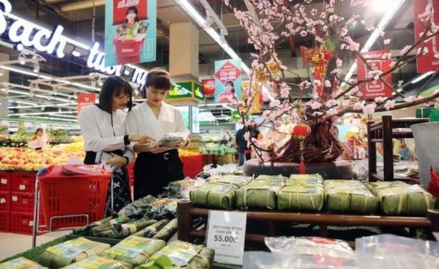 Người dân tấp nập vào siêu thị sắm Tết  - 5