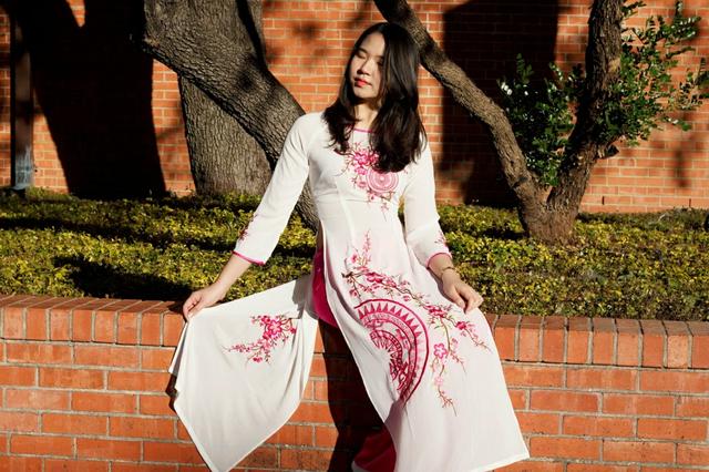 Nữ du học sinh Việt xinh đẹp diện áo dài đón Tết xa nhà đầu tiên ở Mỹ - 4