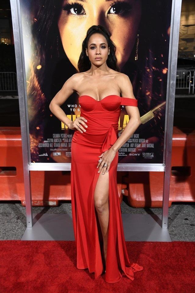 Dania Ramirez khoe ngực căng tròn  - 2
