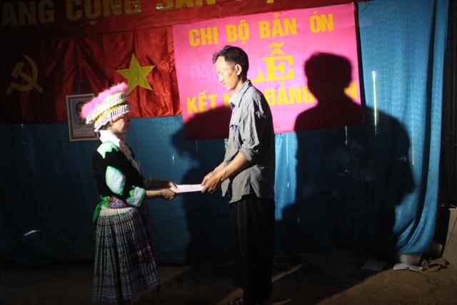 """""""Người truyền lửa"""" cho đồng bào Mông ở bản Ón - 3"""