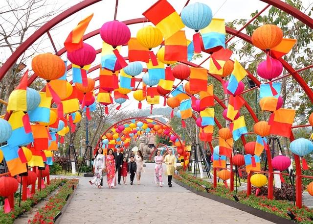 Phát cuồng với những góc check-in đẹp mộng mị tại Lễ hội hoa xuân Sun World HaLong Complex - 4