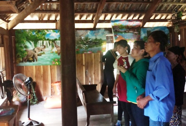 Nữ công nhân òa khóc ôm mẹ sau 16 năm mới về quê đón Tết - 4