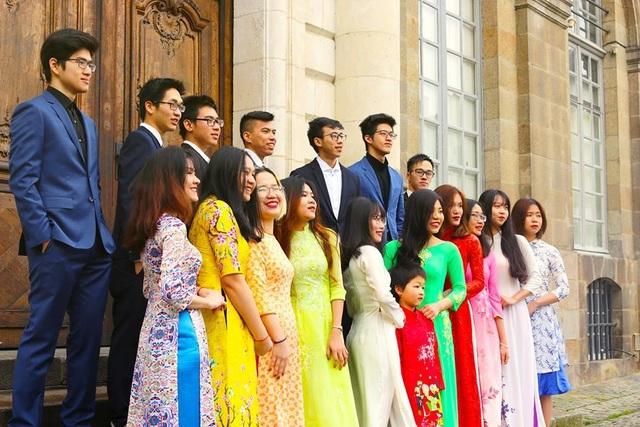 Giao thừa hướng về quê hương của các du học sinh Việt trên thế giới - 12