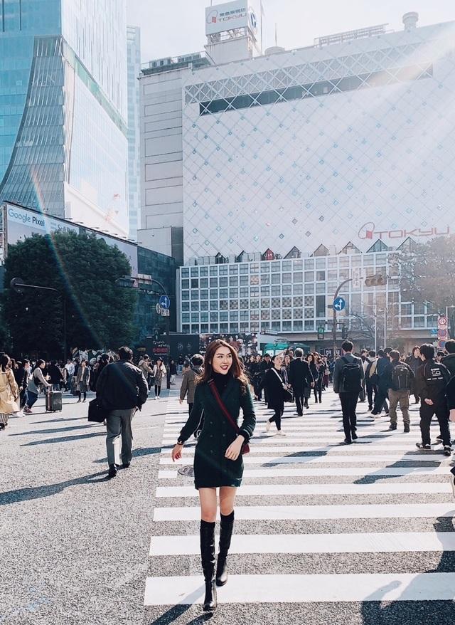Hoa hậu Tường Linh gây choáng với bộ ảnh mỗi tháng đi du lịch một nước  - 11