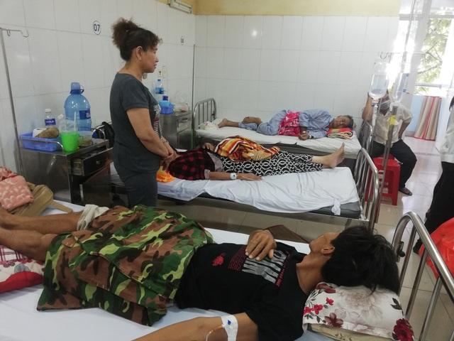 Tết đã cận kề nhưng nhiều bệnh nhân vẫn còn phải vật lộn với nỗi đau bệnh tật trong bệnh viện.