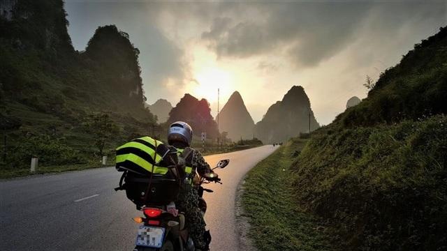 Những kinh nghiệm đi xe máy dành riêng cho các phượt thủ dịp Tết - 1