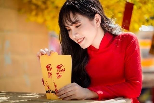 Thiếu nữ miền Tây có khuôn mặt xinh đẹp khá giống người mẫu Ngọc Trinh - 10